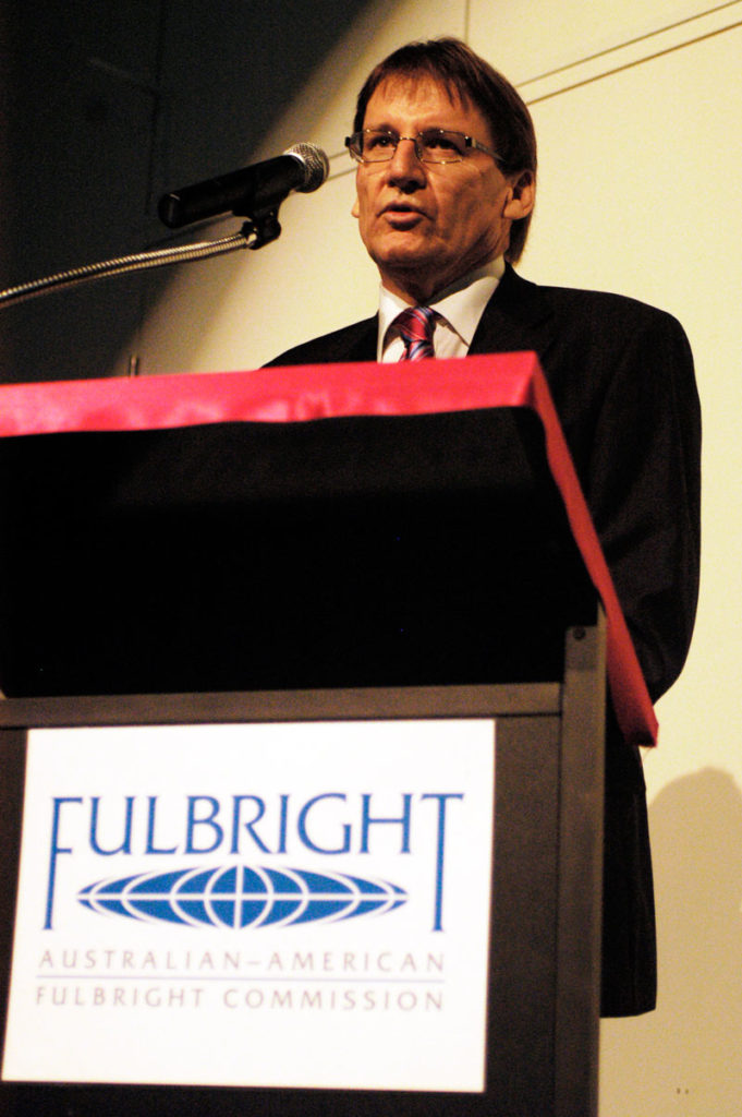 Peter Coaldrake speaks at the 2006 Fulbright Scholar Presentation Dinner