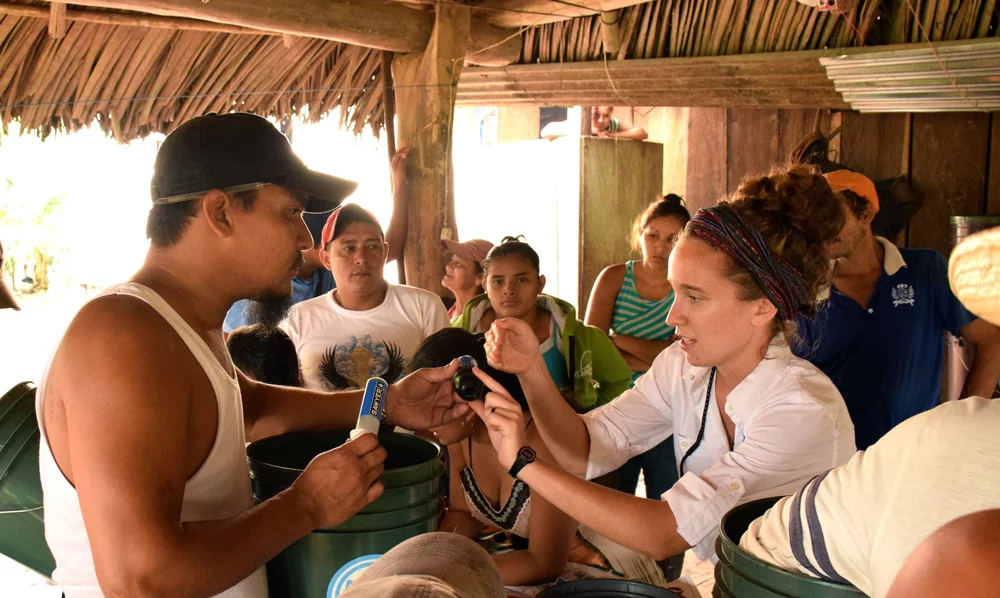 Sophie teaches rural Nicaraguans about water filtration